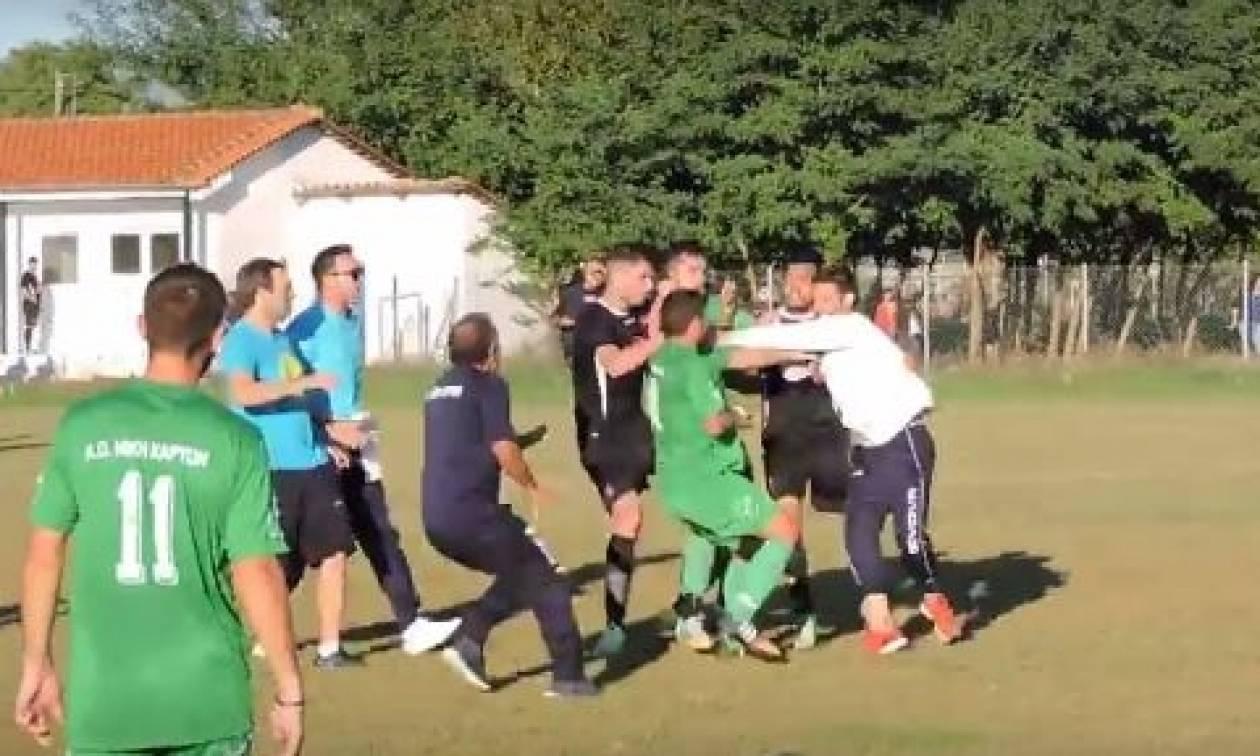 «Έπεσαν» μπουνιές μετά το τέλος αγώνα στα Τρίκαλα