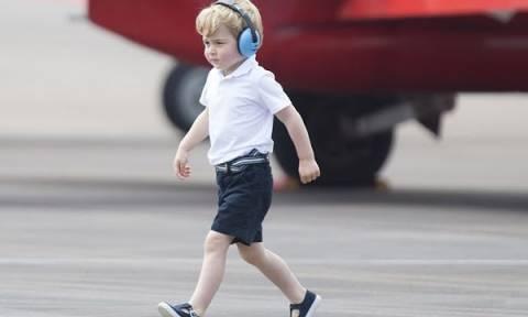 Αποκάλυψη: Γιατί ο πρίγκιπας Τζορτζ φοράει συνέχεια σορτσάκια;