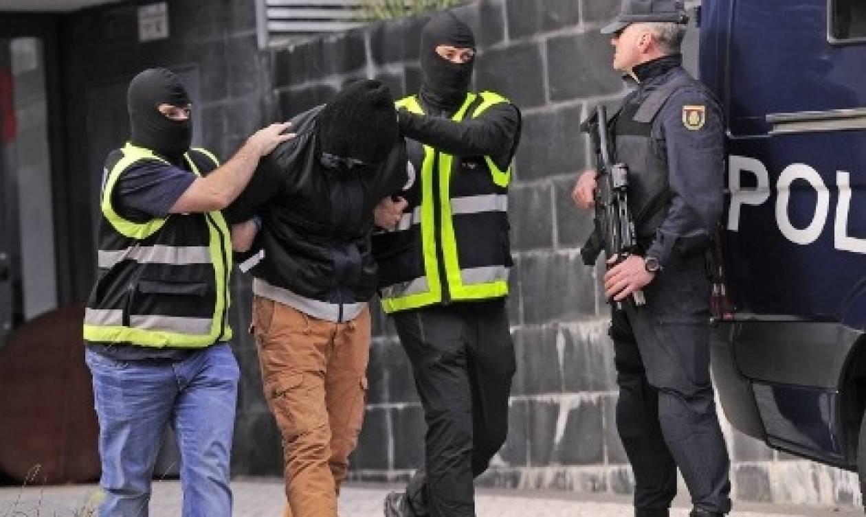 Ισπανία: Χειροπέδες σε δύο «στρατολόγους» του ISIS