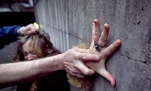Φρίκη: Μετανάστες βίαζαν ομαδικά ανάπηρη επί δύο ώρες