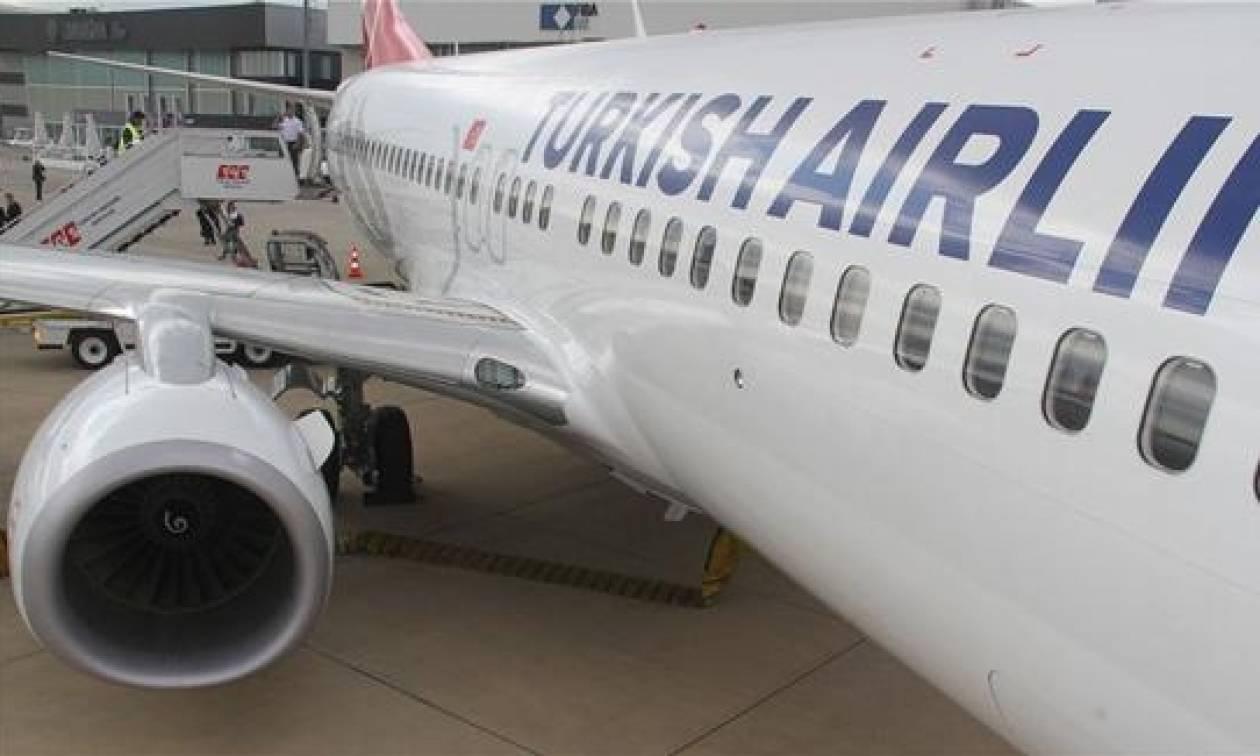 Πιλότος προσγείωσε άρον άρον το αεροπλάνο γιατί... δεν άντεχε το κλάμα ενός μωρού!