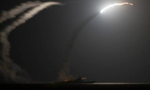 Υεμένη: Με βομβαρδισμούς απάντησαν οι ΗΠΑ στις πυραυλικές επιθέσεις κατά πολεμικών σκαφών τους