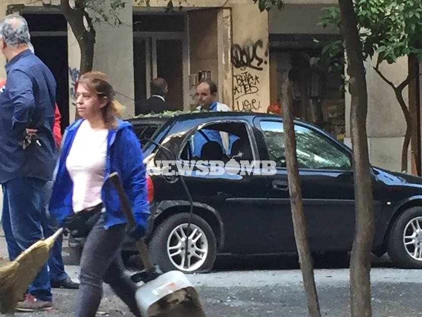 Έκρηξη Ιπποκράτους: Σπασμένες βιτρίνες, διαλυμένα αυτοκίνητα και πανικός (photos)