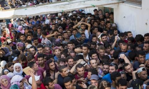 Η Σάμος εκπέμπει SOS για το προσφυγικό