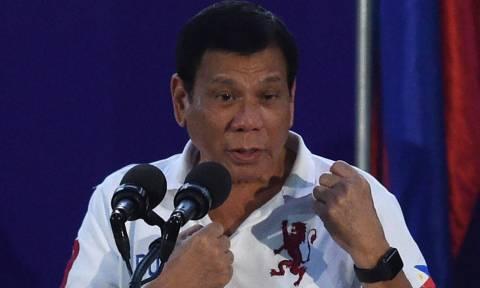 Ο πρόεδρος των Φιλιππίνων προειδοποιεί τη Δύση: «Θα σας εξευτελίσω»