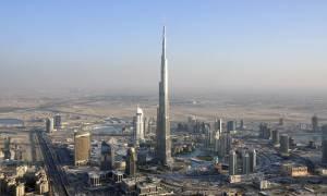Ντουμπάι: Στα ροζ το ψηλότερο κτήριο στον κόσμο (pic)