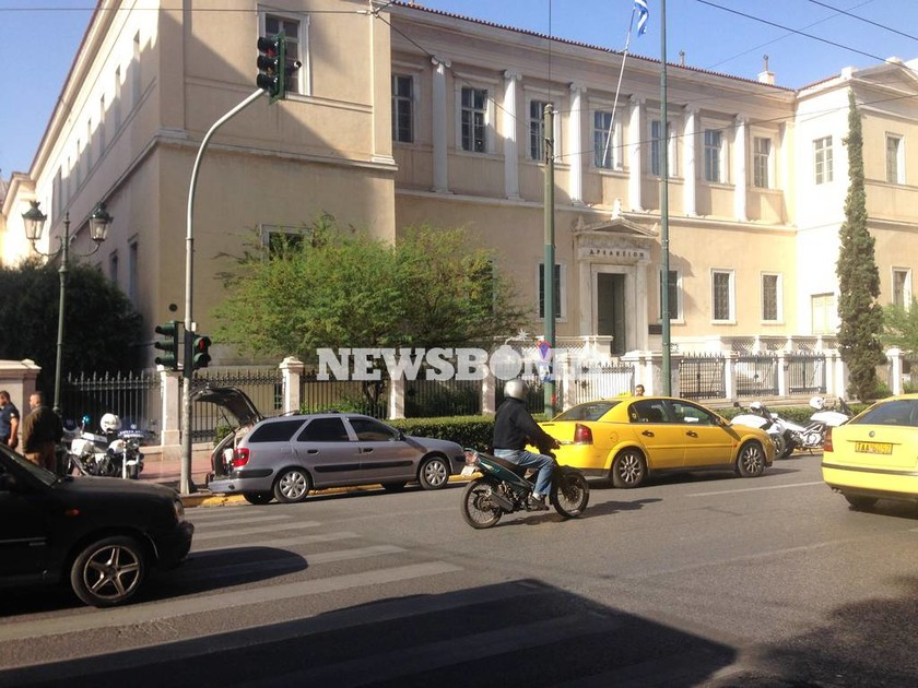 Τηλεφώνημα για βόμβα στο ΣτΕ - Διακόπηκε η συνεδρίαση για τις τηλεοπτικές άδειες (pics)