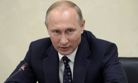 Ανένδοτος ο Πούτιν: Eπικύρωσε συμφωνία για τη μόνιμη παρουσία ρωσικού στρατού στη Συρία