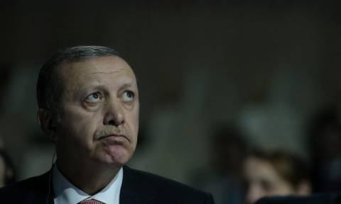 Συνεχίζεται η παράνοια Ερντογάν: Αστυνομικοί επέδραμαν σε δικαστήρια συλλαμβάνοντας 189 δικαστές