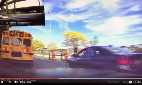 Viral video: Ανυπόμονος οδηγός δέχεται άμεσα το «κάρμα» που του αξίζει!