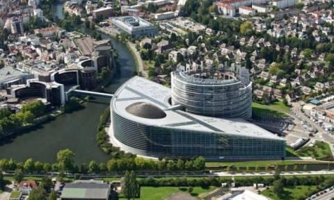 Στρασβούργο: Τούρκος «κατέβασε» έργο τέχνης, με θέμα την ελευθερία της έκφρασης