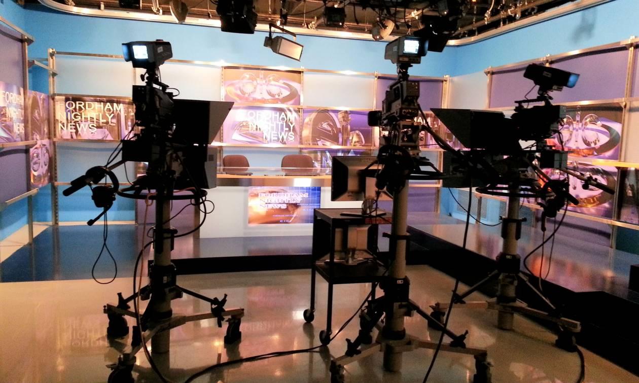 Κυβέρνηση: Η τροπολογία του υπουργού Επικρατείας θωρακίζει το τηλεοπτικό τοπίο