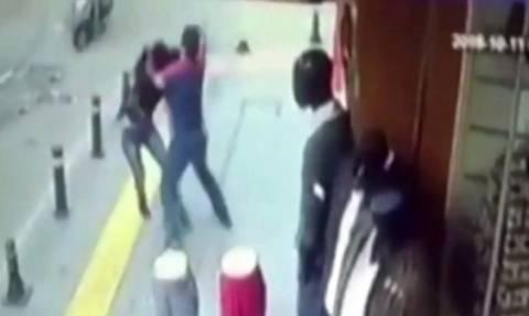 Βίντεο σοκ: Την σκότωσε με 25 μαχαιριές γιατί τον χώρισε πριν από... 10 χρόνια!