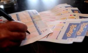Κλήρωση Τζόκερ: Κοσμοσυρροή για τα 4.000.000 ευρώ - Δείτε πώς θα τα κερδίσετε