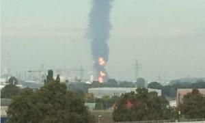 Ένας νεκρός από την ισχυρή έκρηξη σε εργοστάσιο χημικών στη Γερμανία (videos)