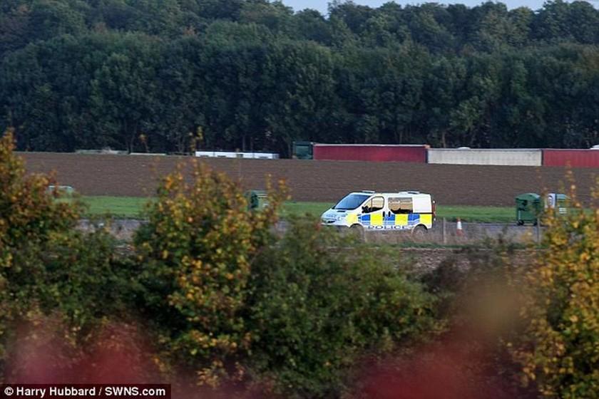 Βρετανία: Πτώση αεροσκάφους - Ένας νεκρός και ένας τραυματίας (pics)