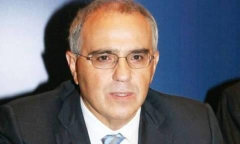 Διαψεύδει ότι αποχωρεί από την Eurobank o Ν.Καραμούζης