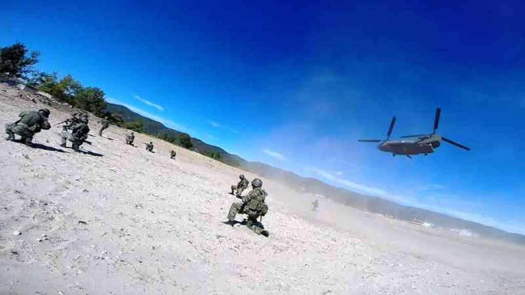 Στρατός Ξηράς: Eκπαίδευση της Δ' Μοίρας Καταδρομών (pics)