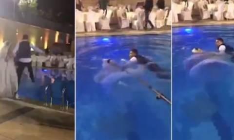 Νύφη έπεσε σε πισίνα και παραλίγο να πνιγεί λόγω... νυφικού (video)