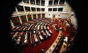 Βουλή: Ανανεώνονται οι ισχύουσες και όσες συμβάσεις έληξαν στην καθαριότητα του δημοσίου