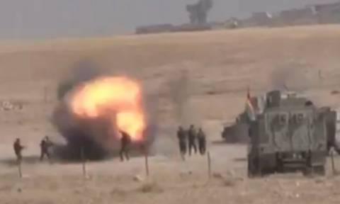 Η φρίκη του πολέμου: Τζιχαντιστής του ISIS πυροδοτεί γιλέκο αυτοκτονίας (ΠΡΟΣΟΧΗ! ΣΚΛΗΡΕΣ ΕΙΚΟΝΕΣ!)