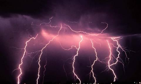 Η ΕΜΥ προειδοποιεί για έντονα καιρικά φαινόμενα – Πού θα «χτυπήσουν» σε λίγες ώρες