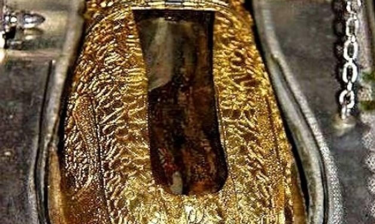 Συγκλονιστικό: Το άφθαρτο χέρι της Αγίας Μαρίας της Μαγδαληνής - Τι γίνεται με όσους το ασπάζονται!