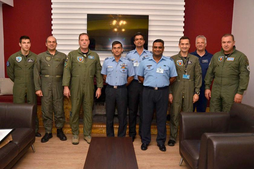 Πολεμική Αεροπορία: Επίσκεψη Αντιπροσωπείας Αξιωματικών της Ινδίας στην 114 Πτέρυγα Μάχης (pics)