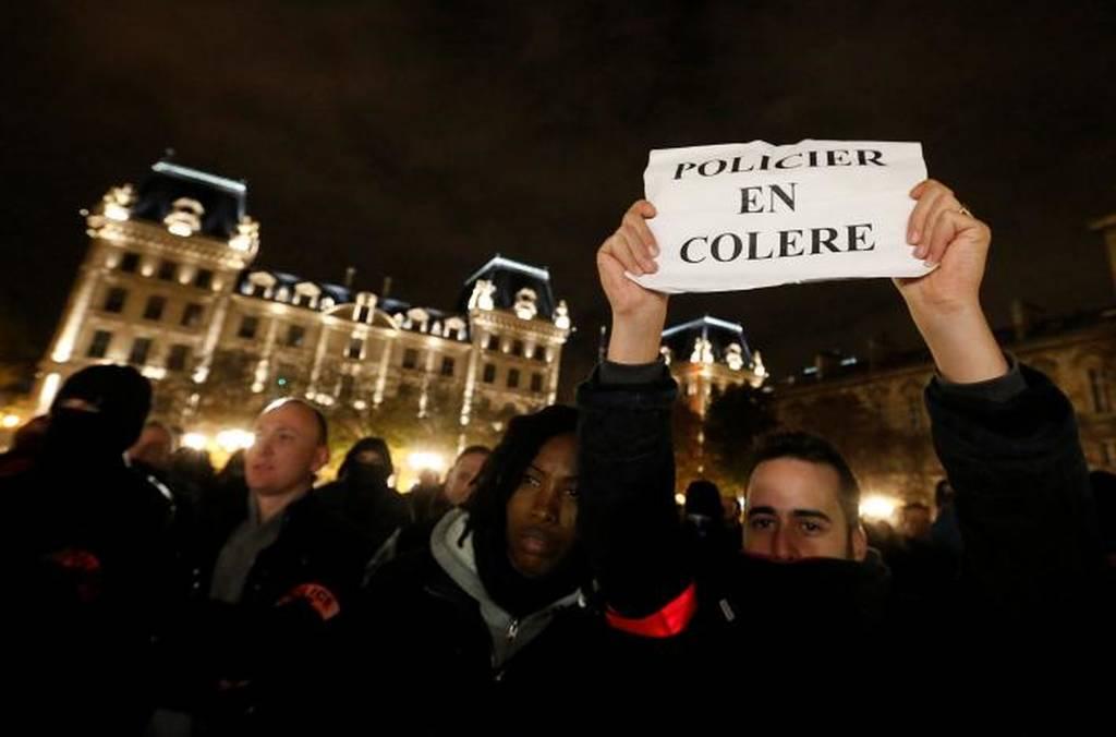 Γαλλία: Για πέμπτη νύχτα στους δρόμους οι αστυνομικοί (pics)