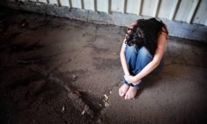 Σοκ στα Πετράλωνα: «Με βίαζε 24 ώρες και με έσερνε από τα μαλλιά»