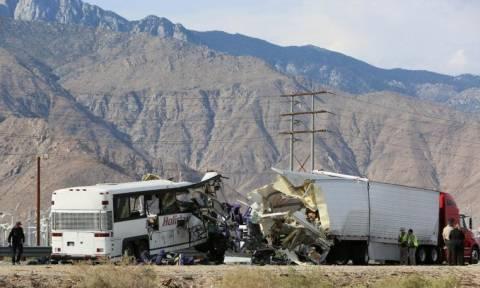 Καλιφόρνια: Τραγωδία με 13 νεκρούς σε τροχαίο