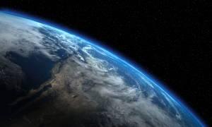 Είναι αυτή η πρώτη φωτογραφία της Γης από το διάστημα;