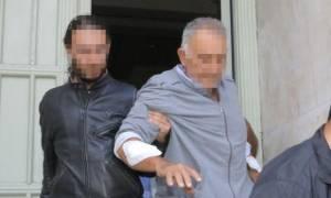 Ανείπωτη τραγωδία στην Κρήτη: Πέθανε όταν έμαθε ότι ο γιος του είναι φονιάς! (pics)