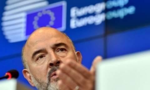 O Μοσκοβισί βλέπει πρόοδο αλλά απαιτεί εφαρμογή των μεταρρυθμίσεων