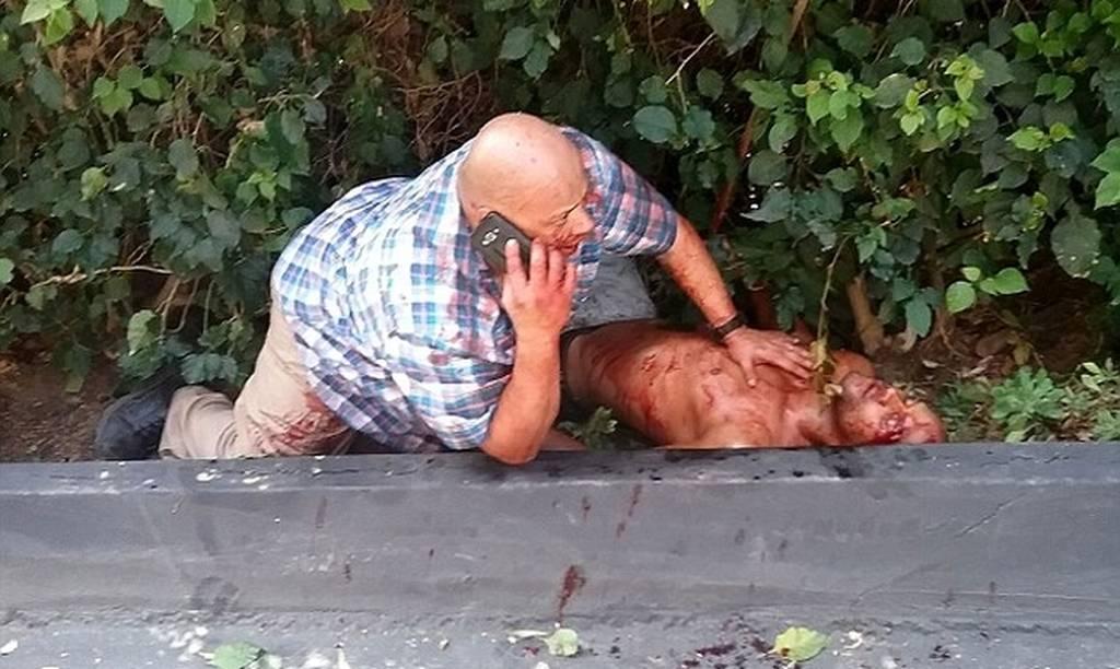 Σκληρή εικόνα: Μαχαίρωσαν το σωματοφύλακα διάσημου μοντέλου έξω από το σπίτι της