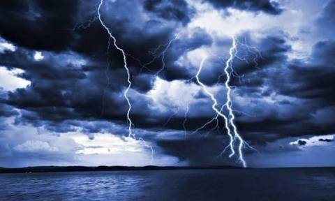 Η ΕΜΥ προειδοποιεί για έντονα φαινόμενα – Τι καιρό θα κάνει το τριήμερο της 28ης Οκτωβρίου