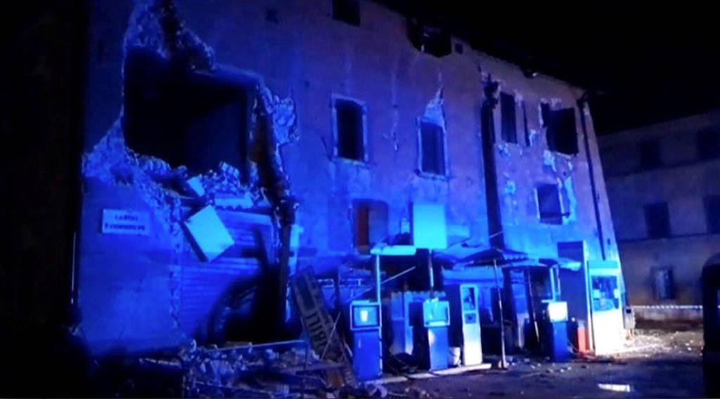 Σεισμός Ιταλία: Εικόνες καταστροφής από το ισχυρό χτύπημα του Εγκέλαδου με έναν νεκρό (Pics+Vids)