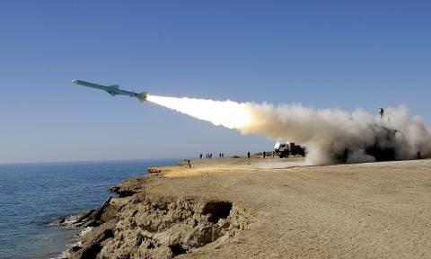 Ανεβαίνει η ένταση στην Αραβική Χερσόνησο - Οι Χούτι εκτόξευσαν πύραυλο προς την Μέκκα!
