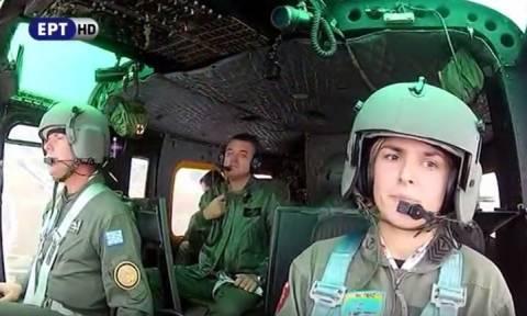 28η Οκτωβρίου: H πανέμορφη πιλότος της Αεροπορίας Στρατού που έκλεψε τις εντυπώσεις (vid)