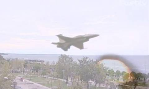 Ρίγη συγκίνησης: Συγκλόνισε όλη την Ελλάδα το μήνυμα του πιλότου του F-16 στη στρατιωτική παρέλαση