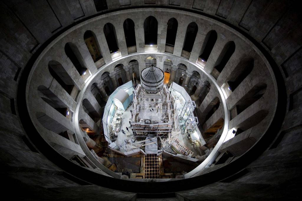 Συγκλονιστικό! Έλληνες επιστήμονες αποκάλυψαν την «ταφική πλάκα του Ιησού» (video)