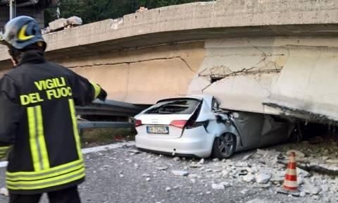 Βίντεο σοκ από φρικτό δυστύχημα στην Ιταλία: Κατέρρευσε γέφυρα συνθλίβοντας αυτοκίνητα