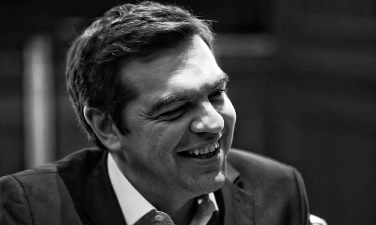 Τηλεοπτικές άδειες: «Όμηρος» των συνεργατών του ο Αλέξης Τσίπρας