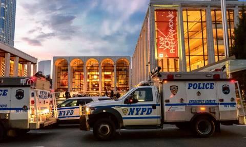 Πανικός στη Νέα Υόρκη: Εκκενώθηκε η Μετροπόλιταν Όπερα έπειτα από εισβολή υπόπτου (Pics)