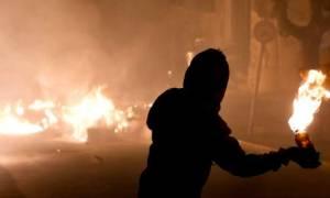 Επιθέσεις αγνώστων με μολότοφ σε διμοιρίες των ΜΑΤ στα Εξάρχεια