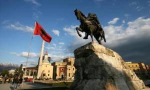 Νέα πρόκληση από την Αλβανία: Κατεδαφίζουν 19 σπίτια Ελλήνων στη Χειμάρρα