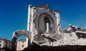 Τρόμος στην Ιταλία: Πανικός, τραυματίες και καταστροφές από το ανελέητο «σφυροκόπημα» του Εγκέλαδου