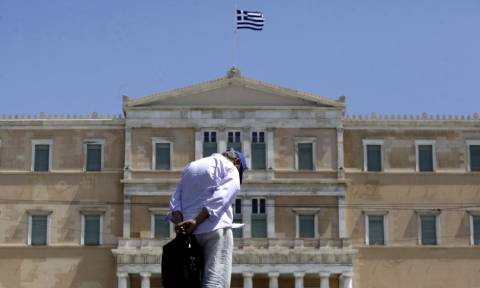 Καταπέλτης το Γραφείο Προϋπολογισμού της Βουλής: Το ιδιωτικό χρέος προσεγγίζει το δημόσιο!