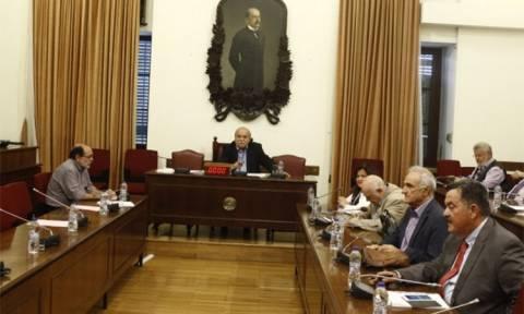 «Ναυάγιο» στη διάσκεψη για το ΕΣΡ - Όλα θα παιχτούν την Πέμπτη στη Βουλή