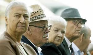 «Σύρραξη» συνταξιούχων για τις περικοπές σε κύριες και επικουρικές